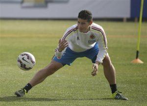 El jugador de Colombia, James Rodríguez, participa en un entrenamiento. Foto: AP