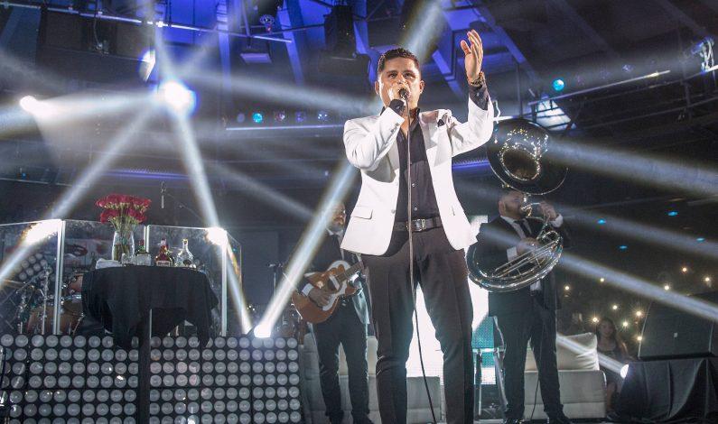 Larry Hernández y El Dasahacen vibrar a sus fans en Phoenix