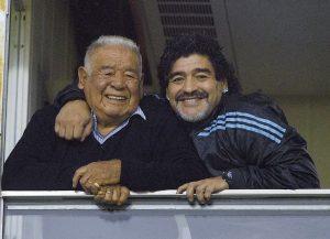 """El papá del ex astro del futbol argentino Diego Armando Maradona, """"Don Diego"""" Maradona, murió a los 87 años, luego de una prolongada enfermedad. Foto: Notimex"""