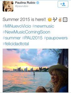 """""""La Chica Dorada"""" compartió una foto frente al mar con la etiqueta #PAU2015, por lo que recibió mensajes burlones. Foto: Twitter"""