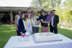 Scarlet Dergal, Jocelin Zuckerman, Ceci Flores, Boris Duflos, Nora Salinas, Aldo Guerra, Scarlet y José Eduardo Derbez (de izquierda a derecha). Foto: Cortesía de Televisa