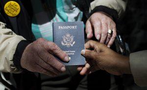 El servicio de pasaportes para ciudadanos estadunidenses fue reanudado el lunes pasado. Foto: AP