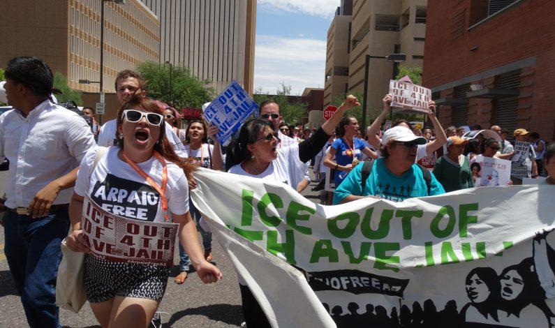 ¡Arresten a Arpaio, no a la gente! piden manifestantes