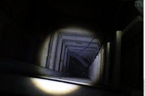Para salir del túnel, Joaquín Guzmán tuvo que ascender por una primera escalera de unos 20 peldaños, pasar un descanso y subir una segunda escalera de 8 peldaños más. Foto: Agencia Reforma