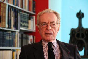 A consecuencia de un derrame cerebral, falleció el periodista Jacobo Zabludovsky. Foto: Notimex