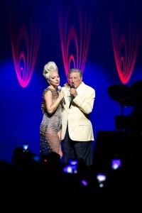 La cantante de pop Lady Gaga y el tradicional cantante Tony Bennet conquistaron a la audiencia del Festival de Jazz de Montreux en un concierto único en Suiza. Foto: Notimex