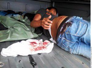 Según testimonios difundidos a través de redes sociales, la agresión dejó como saldo preliminar un muerto, menor de edad. Foto: Agencia Reforma