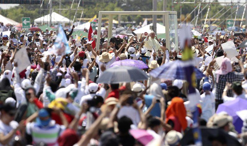 Insta Papa a fortalecer la familia y recuerda a su madre en Guayaquil