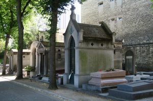 La tumba de Porfirio Díaz es una de las más visitadas del cementerio de Montparnasse. Foto: Notimex