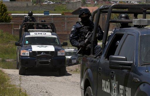 """Caen funcionarios carcelarios por fuga del """"Chapo"""""""
