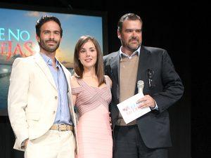 Con esta conferencia de prensa, el productor Carlos Moreno presenta oficialmente a sus protagonistas Camila Sodi y Osvaldo Benavides. Foto: Cortesía de Televisa
