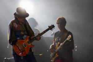 En 1955 su familia se mudó a Tijuana, y Carlos Santana empezó a tocar en clubes y bares en la zona turística. Foto: Notimex