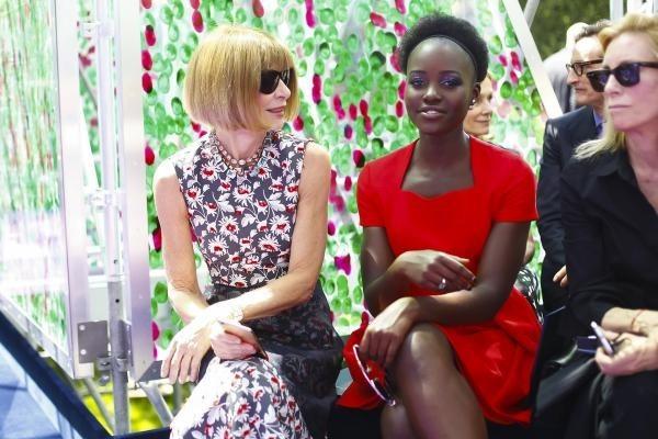 Lupita Nyong'o brilla en el jardín de Dior