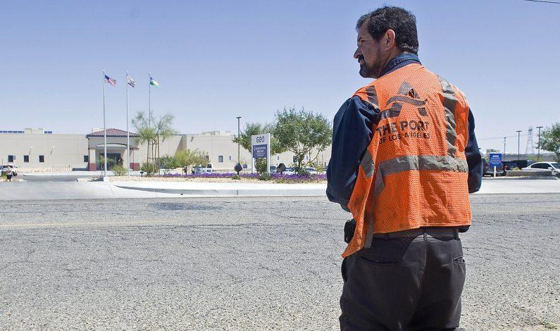 Inmigrantes detenidos recibieron pago de un dólar por día