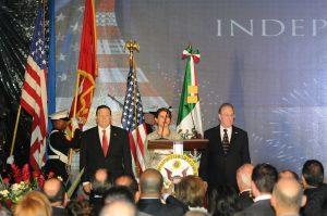 Gran celebración por el 239 aniversario de la Independencia de México. Foto: Mixed Voces