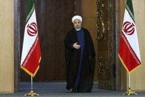 El presidente de Irán, Hassan Rouhani, llega a Teherán, Irán, para dirigirse a la nación después de anunciarse el acuerdo nuclear en Viena. Foto: AP