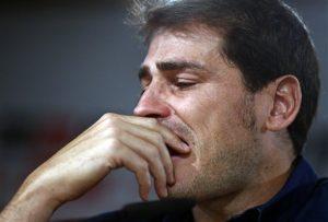 Casillas durante un momento de la conferencia de prensa en que anunció su salida del real Madrid. Foto: AP