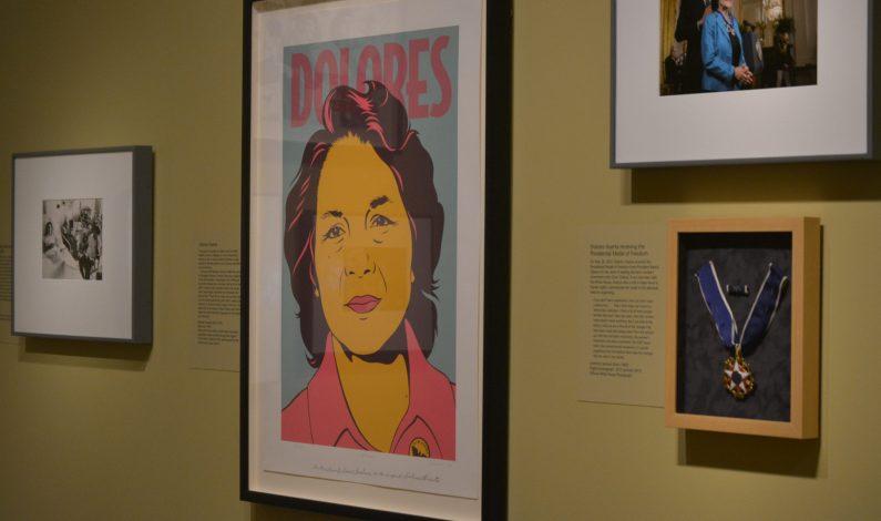 Inauguran muestra dedicada a Dolores Huerta