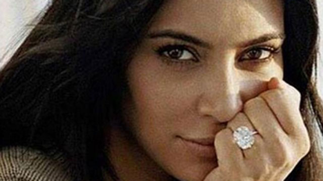 Kim Kardashian sin gota de maquillaje en Vogue España