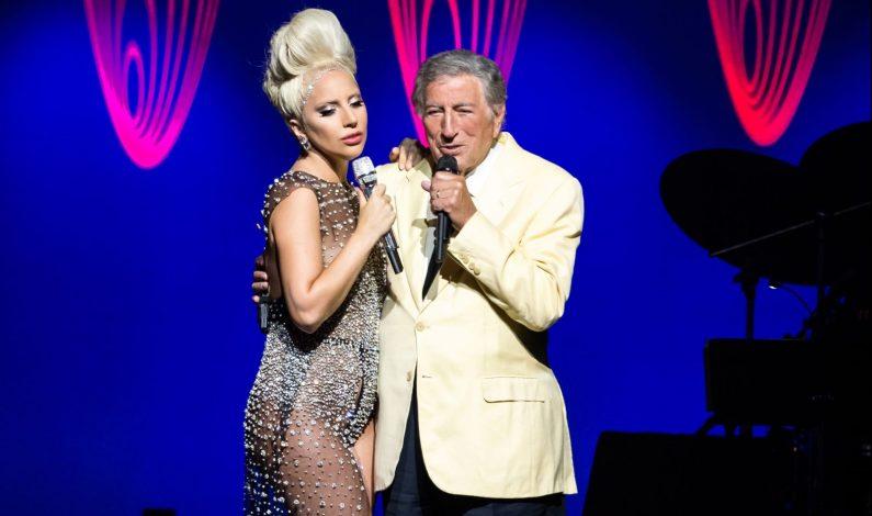 Lady Gaga y Tony Bennet cautivan sobre el escenario