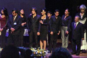 Maribel, gran consuelo para su hijo  José Julián.  Foto: Mixed Voces