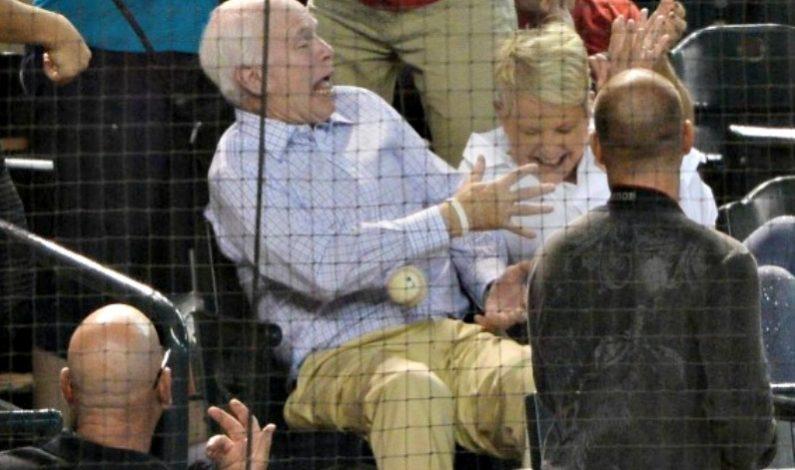 Reflejos 'traicionan' a McCain en juego de D-backs