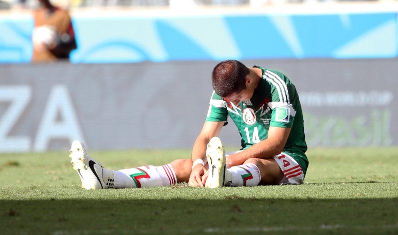 """""""Chicharito"""" salió con éxito de operación de clavícula derecha"""