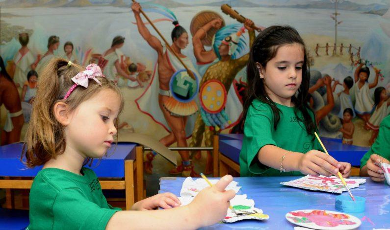 Promueven el español y la cultura latina en la comunidad