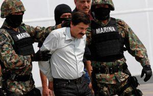 """""""El Chapo"""" Guzmán Loera fue acusado ahí de 14 cargos federales, que incluyen acusaciones de que supervisó el contrabando de miles de kilogramos de mariguana y cocaína hacia Estados Unidos. Foto: AP"""