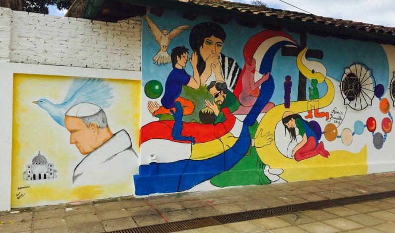 Papa Francisco deja Bolivia y viaja rumbo a Paraguay