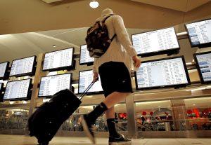 Las autoridades de la terminal aérea estiman que el próximo miércoles, jueves y domingo seran días de mucho tráfico de pasajeros. Foto: AP