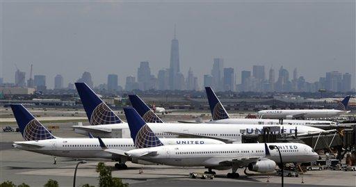 United Airlines restablece vuelos tras falla en sistema de cómputo