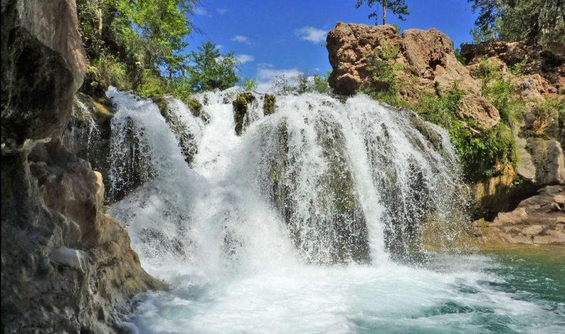 El encanto de la cascada de Fossil Creek