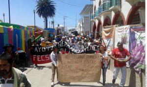 Pidieron acceso a cuarteles militares para verificar si los jóvenes se encuentran ahí. Foto: Agencia Reforma