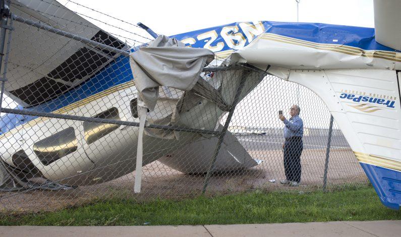 Tormenta vuelca avionetas en zona de Phoenix