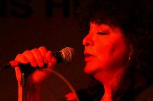Carmela Ramírez, una fiel exponente de los ritmos latinos en Arizona. Foto: Tomada de Facebook