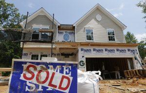 Las ventas de casas nuevas aumentaron un 23,1% en el nordeste, con ganancias menores en el sur y el oeste. Foto: AP