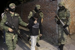 De enero de 2013 a marzo pasado se capturó en total a 850 presuntos criminales. Foto: AP