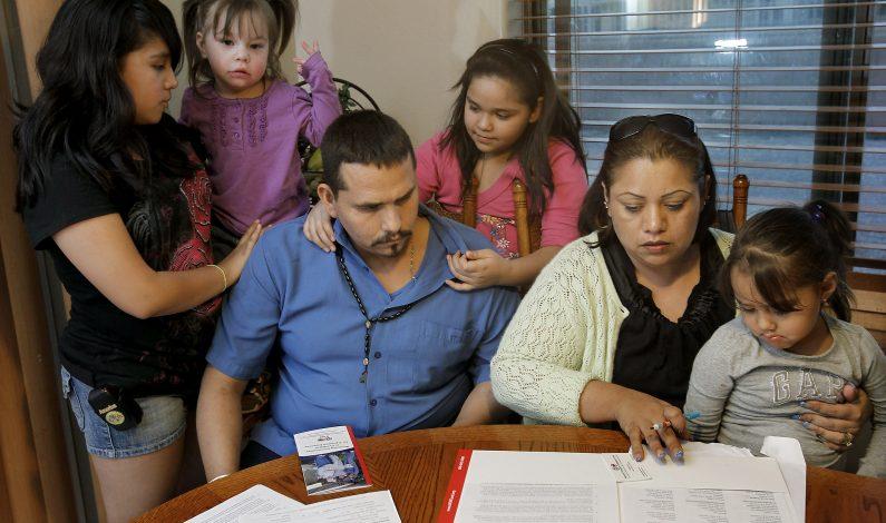 Títulos universitarios son insuficientes para latinos en EU
