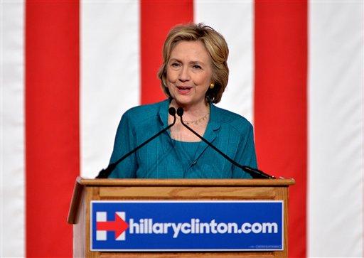 Campaña presidencial de Clinton lanza anuncios en TV