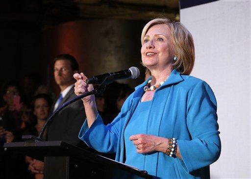 FBI investiga seguridad de emails de Clinton