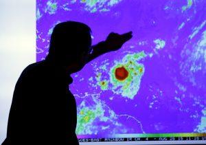 La tormenta tropical podría impactar ciudades como Miami para el domingo en la noche o el lunes. Foto: AP