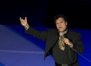 El álbum es el resultado de la relación profesional y de amistad que une a Juan Gabriel con la India,  Foto: AP