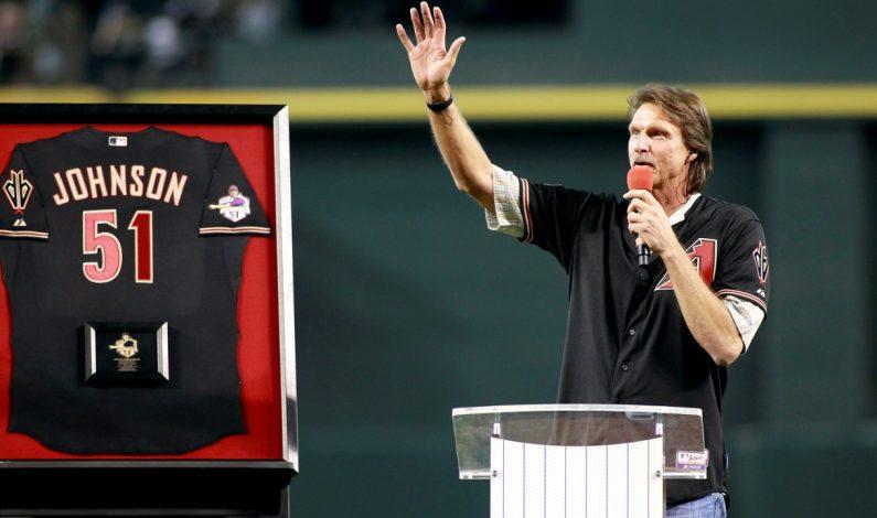 Randy orgulloso de tener su No. 51 retirado en el Chase Field