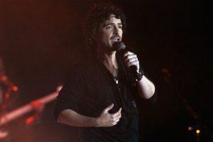 """Torres lanzó el 25 de agosto del 2015 el sencillo """"Ven"""", una colaboración con la cantautora guatemalteca Gaby Moreno. (AP"""