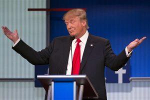 El precandidato presidencial republicano Donald Trump durante su participación en el primer debate del partido en el escenario Quicken Loans Arena en Cleveland. Foto: AP
