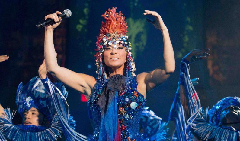 Cantantes mexicanos seguirán apostándole a Acapulco: Yuri