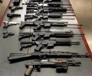 El presidente Barack Obama renovó su llamado al Congreso para aprobar leyes de sentido común que hagan más difícil la adquisición de armas de fuego para la comisión de asesinatos. Foto: AP