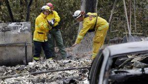 Cinco han sido las víctimas fatales del fuego en el norte del estado, dijeron las autoridades el jueves. Foto: AP