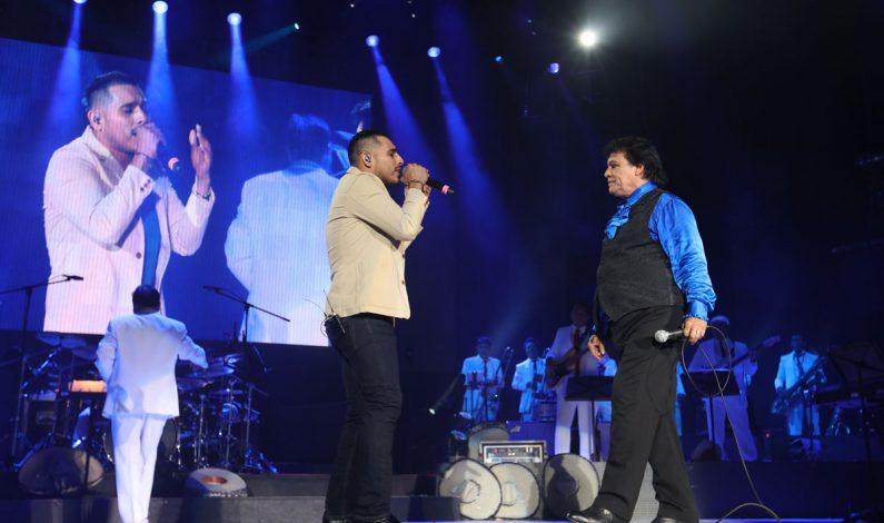 Espinoza Paz se luce al lado de Juan Gabriel